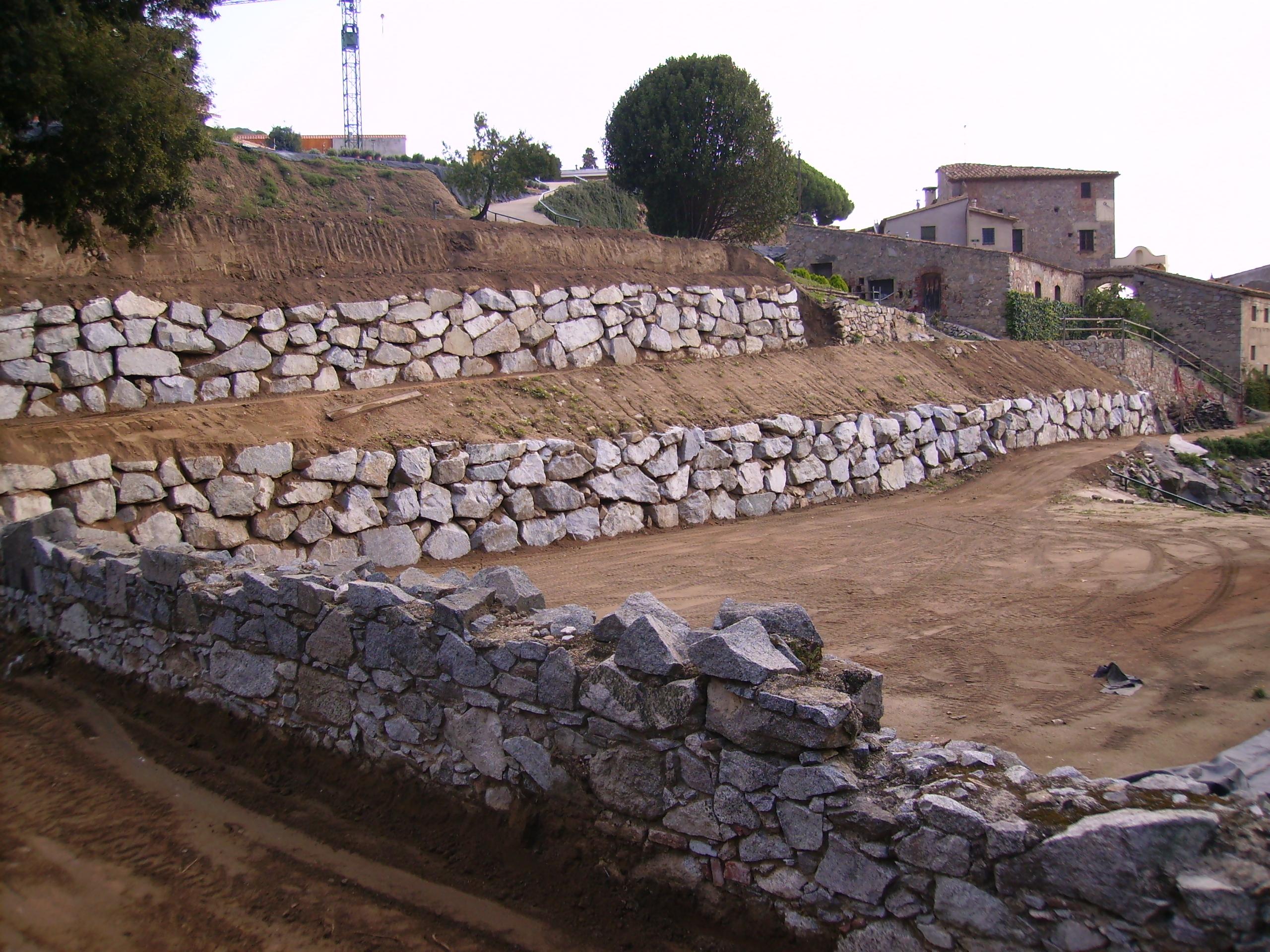Muros de piedra o rocalla excavacions2rius - Muros de piedra ...
